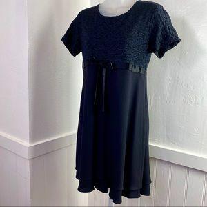 CDC Women's Black Short Sleeve Midi Dress   8P